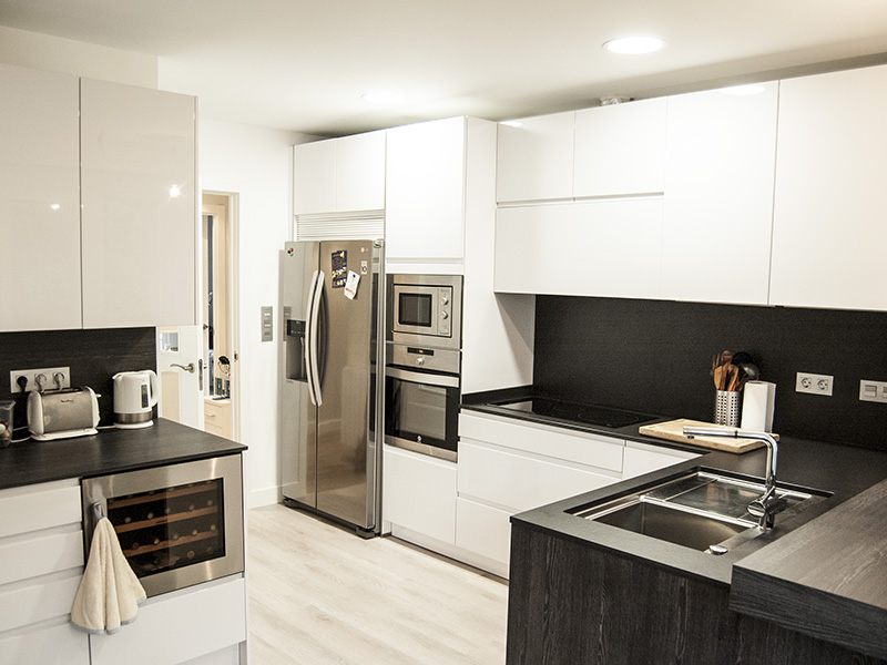 Bienvenidos a dg muebles cocinas i mobiliario de hogar y - Cocinas con frigorifico americano ...